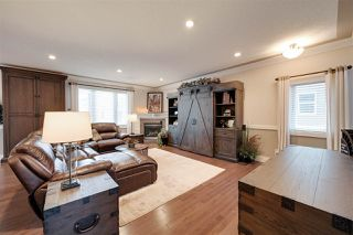 Photo 5: 9040 92 Street in Edmonton: Zone 18 House for sale : MLS®# E4184126
