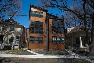 Photo 2: 149 Masson Street in Winnipeg: St Boniface Residential for sale (2A)  : MLS®# 202010895