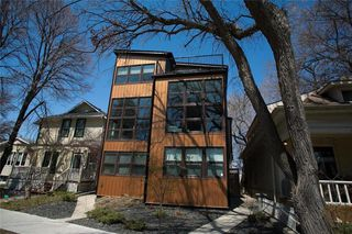 Photo 3: 149 Masson Street in Winnipeg: St Boniface Residential for sale (2A)  : MLS®# 202010895