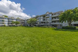 "Photo 8: 213 1869 SPYGLASS Place in Vancouver: False Creek Condo for sale in ""VENICE COURT"" (Vancouver West)  : MLS®# R2461533"