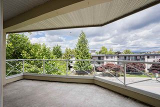 "Photo 16: 304 20120 56 Avenue in Langley: Langley City Condo for sale in ""Blackberry Lane 1"" : MLS®# R2467299"