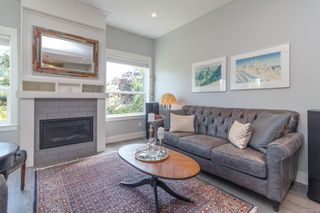 Photo 4: 3 2923 Shelbourne St in : Vi Oaklands Row/Townhouse for sale (Victoria)  : MLS®# 850799