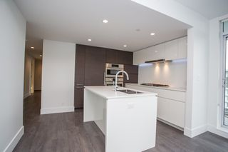 """Photo 4: 1107 5508 HOLLYBRIDGE Way in Richmond: Brighouse Condo for sale in """"RIVER PARK PLACE III"""" : MLS®# R2495810"""