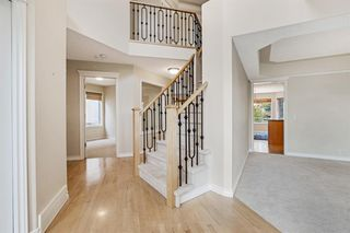 Photo 4: 199 Sienna Park Terrace SW in Calgary: Signal Hill Detached for sale : MLS®# A1042196
