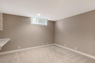 Photo 33: 199 Sienna Park Terrace SW in Calgary: Signal Hill Detached for sale : MLS®# A1042196