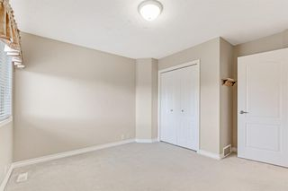 Photo 23: 199 Sienna Park Terrace SW in Calgary: Signal Hill Detached for sale : MLS®# A1042196