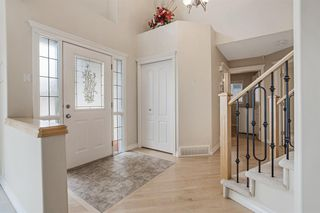 Photo 3: 199 Sienna Park Terrace SW in Calgary: Signal Hill Detached for sale : MLS®# A1042196