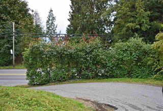 Photo 2: 4980 SUNSHINE COAST Highway in Sechelt: Sechelt District House for sale (Sunshine Coast)  : MLS®# R2509210