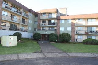 """Main Photo: 302 45598 MCINTOSH Drive in Chilliwack: Chilliwack W Young-Well Condo for sale in """"MCINTOSH MANOR"""" : MLS®# R2514761"""