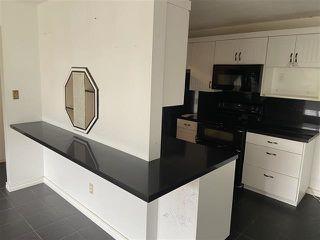 Photo 2:  in Edmonton: Zone 22 Condo for sale : MLS®# E4224438