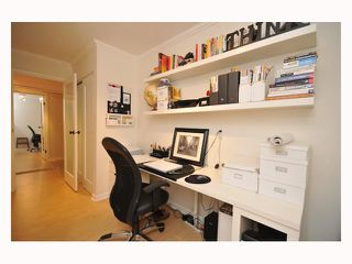 "Photo 1: 107 310 W 3RD Street in North Vancouver: Lower Lonsdale Condo for sale in ""DEVON MANOR"" : MLS®# V788416"