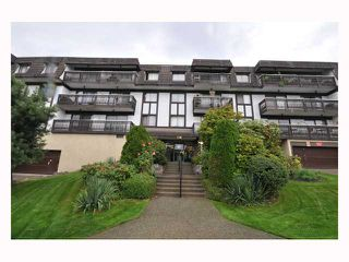 "Photo 4: 107 310 W 3RD Street in North Vancouver: Lower Lonsdale Condo for sale in ""DEVON MANOR"" : MLS®# V788416"