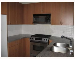 Photo 2: 505 9266 UNIVERSITY Crescent in Burnaby: Simon Fraser Univer. Condo for sale (Burnaby North)  : MLS®# V799058