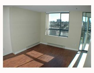 Photo 3: 540 1268 W BROADWAY in Vancouver: Fairview VW Condo for sale (Vancouver West)  : MLS®# V808780