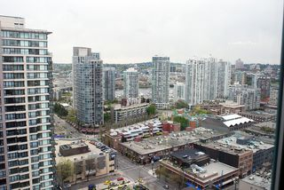 "Photo 1: 2706 939 HOMER Street in Vancouver: Downtown VW Condo for sale in ""PINNACLE"" (Vancouver West)  : MLS®# V823829"