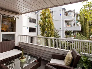 "Photo 8: 201 876 W 14TH Avenue in Vancouver: Fairview VW Condo for sale in ""WINDGATE LAUREL"" (Vancouver West)  : MLS®# V856619"