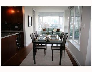 "Photo 7: 802 2055 YUKON Street in Vancouver: Mount Pleasant VW Condo for sale in ""MONTREUX"" (Vancouver West)  : MLS®# V731923"