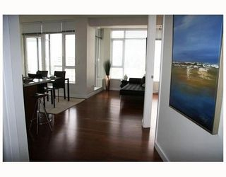 "Photo 3: 802 2055 YUKON Street in Vancouver: Mount Pleasant VW Condo for sale in ""MONTREUX"" (Vancouver West)  : MLS®# V731923"
