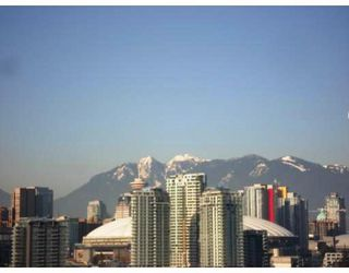 "Photo 1: 802 2055 YUKON Street in Vancouver: Mount Pleasant VW Condo for sale in ""MONTREUX"" (Vancouver West)  : MLS®# V731923"