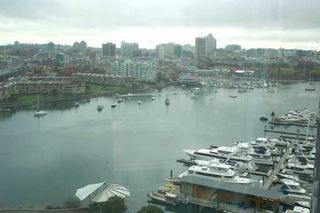 "Photo 2: 1033 MARINASIDE Crescent in Vancouver: False Creek North Condo for sale in ""QUAYWEST"" (Vancouver West)  : MLS®# V625851"