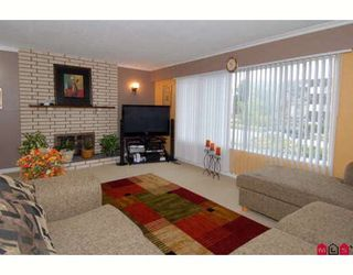 Photo 2: 10275 127A Street in Surrey: Cedar Hills House for sale (North Surrey)  : MLS®# F2907068