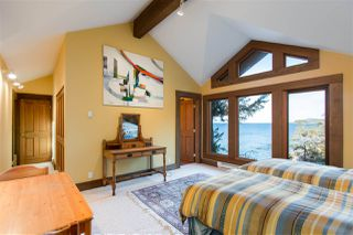 "Photo 3: 11565 SUNSHINE COAST Highway in Pender Harbour: Pender Harbour Egmont House for sale in ""PRIME WATERFRONT ACREAGE"" (Sunshine Coast)  : MLS®# R2417886"