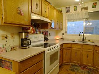Photo 3: 10409 154 Street in Edmonton: Zone 21 House Half Duplex for sale : MLS®# E4180144