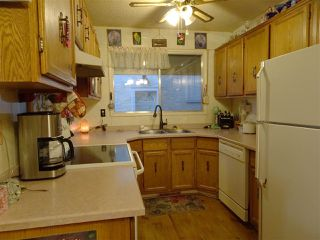 Photo 2: 10409 154 Street in Edmonton: Zone 21 House Half Duplex for sale : MLS®# E4180144