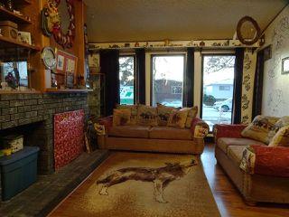 Photo 5: 10409 154 Street in Edmonton: Zone 21 House Half Duplex for sale : MLS®# E4180144