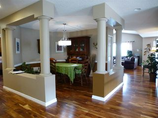Photo 8: 1221 WERSHOF Road in Edmonton: Zone 20 House for sale : MLS®# E4198642