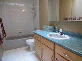 Photo 18: 1221 WERSHOF Road in Edmonton: Zone 20 House for sale : MLS®# E4198642