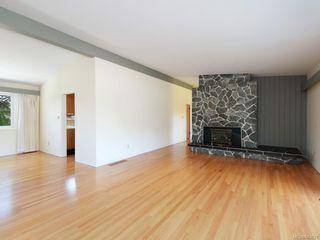 Photo 4: 3005 Devon Rd in Oak Bay: OB Uplands House for sale : MLS®# 843621