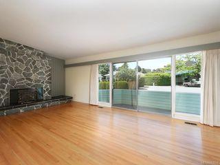Photo 3: 3005 Devon Rd in Oak Bay: OB Uplands House for sale : MLS®# 843621