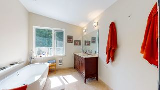 Photo 18: 1447 MOONDANCE Place in Gibsons: Gibsons & Area House for sale (Sunshine Coast)  : MLS®# R2478659