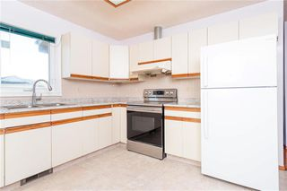 Photo 5: 120 Marinus Place in Winnipeg: River Park South Residential for sale (2E)  : MLS®# 202023754
