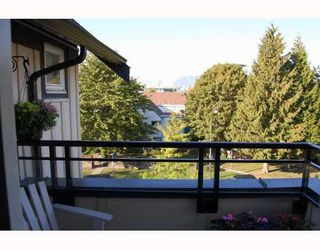 """Photo 5: 402 736 W 14TH Avenue in Vancouver: Fairview VW Condo for sale in """"BRAEBERN"""" (Vancouver West)  : MLS®# V790035"""