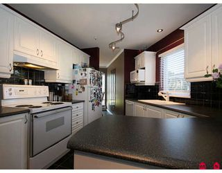 """Photo 4: 103 20245 53RD Avenue in Langley: Langley City Condo for sale in """"METRO 1"""" : MLS®# F2832268"""