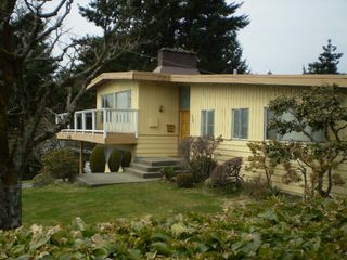 Photo 2: 892 HANDSWORTH Road in North_Vancouver: Canyon Heights NV House for sale (North Vancouver)  : MLS®# V758864
