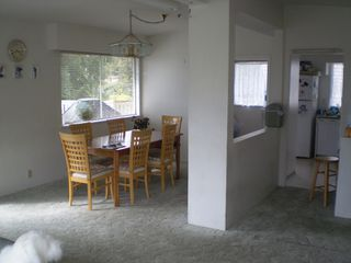 Photo 5: 892 HANDSWORTH Road in North_Vancouver: Canyon Heights NV House for sale (North Vancouver)  : MLS®# V758864
