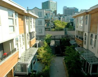 """Photo 10: 34 638 W 6TH Avenue in Vancouver: Fairview VW Townhouse for sale in """"STELLA DEL FIORDO"""" (Vancouver West)  : MLS®# V775218"""