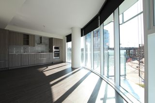 Photo 4:  in Vancouver: Downtown Condo for rent : MLS®# AR118