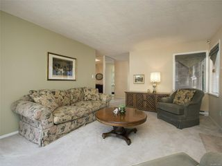 Photo 4: 1 3969 Cedar Hill Cross Rd in : SE Maplewood Row/Townhouse for sale (Saanich East)  : MLS®# 851548