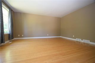 Photo 2: 11 Laval Drive in Winnipeg: Fort Richmond Residential for sale (1K)  : MLS®# 202021012