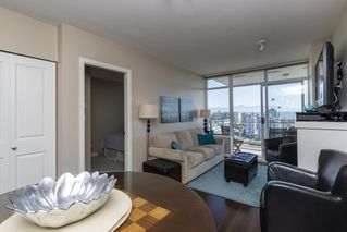Photo 4: 3805 888 CARNARVON Street in New Westminster: Downtown NW Condo for sale : MLS®# R2497596