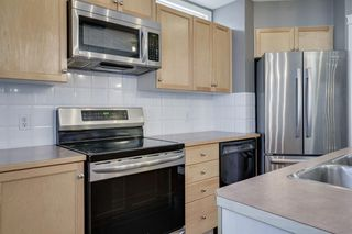 Photo 6: 262 PRESTWICK Circle SE in Calgary: McKenzie Towne Detached for sale : MLS®# A1035041