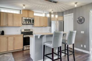 Photo 5: 262 PRESTWICK Circle SE in Calgary: McKenzie Towne Detached for sale : MLS®# A1035041