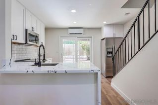 Photo 7: SAN DIEGO Condo for sale : 2 bedrooms : 6449 Bell Bluff Ave