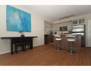 "Photo 3: 1608 2289 YUKON Crescent in Burnaby: Brentwood Park Condo for sale in ""Watercolours"" (Burnaby North)  : MLS®# V790088"