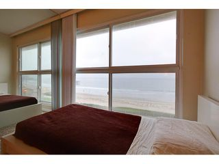 Photo 13: PACIFIC BEACH Condo for sale : 2 bedrooms : 4667 Ocean #408