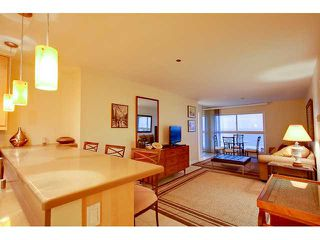 Photo 3: PACIFIC BEACH Condo for sale : 2 bedrooms : 4667 Ocean #408